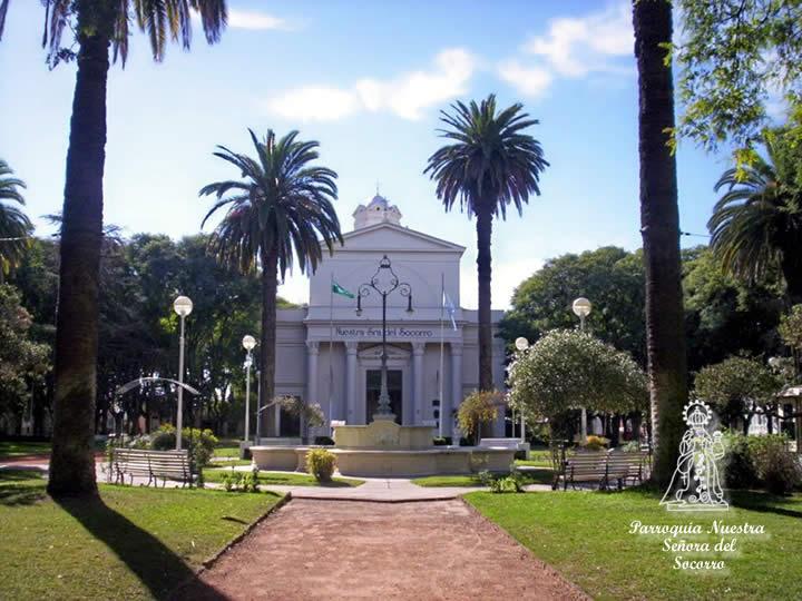 frente del Templo visto desde la plaza